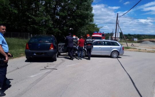FOTO: Grav accident de circulație în localitatea gorjeană Tismana