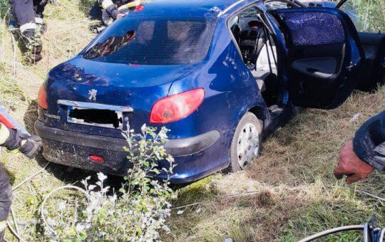 Foto:Tragedie pe o șosea din Gorj. O femeie a decedat și două fete au fost transportate de urgență la spital