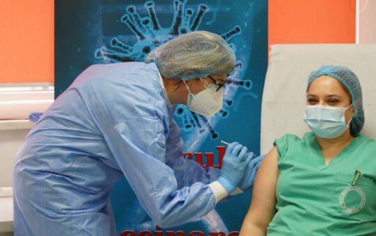 Activitatea din 11 centre de vaccinare va fi sistată