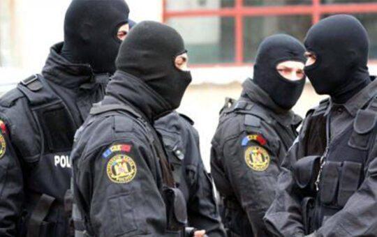 Polițiști din Timiș, arestați pentru luare de mită