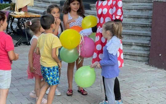 Bucurie fără margini pentru copiii din Motru